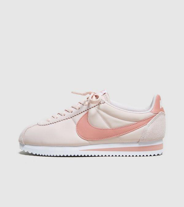 最新粉色系波鞋!超人氣Nike Cortez 英國網站只售英鎊62 (約HK$641)!直寄香港!
