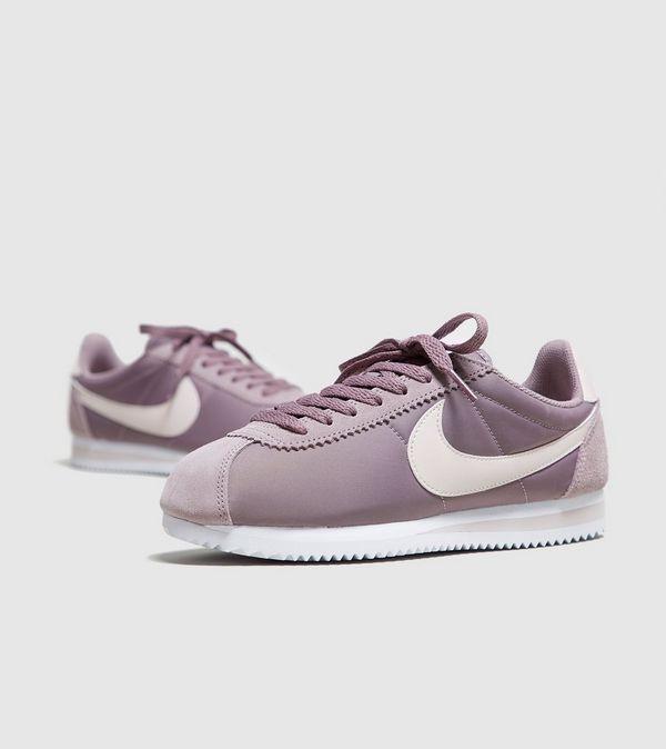 最新粉色系波鞋!超人氣Nike Cortez 英國網站只售英鎊62 (約HK1)!直寄香港!