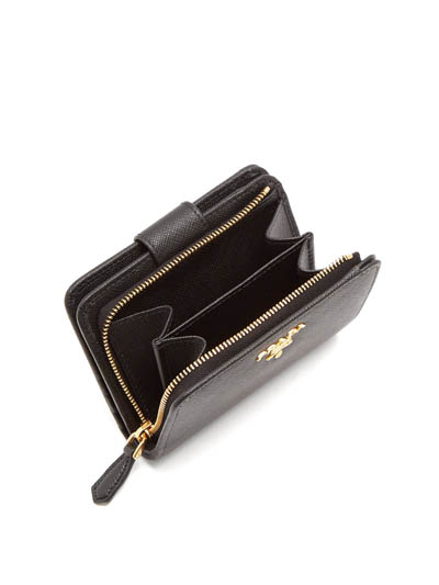 最後幾小時~英國Matchesfashion快閃9折+免運費優惠超抵,名牌卡套0起,銀包http://www.ibuyclub.com/wp-content/uploads/2018/02/Compact-zip-around-saffiano-leather-wallet3-feb8.jpg,524起