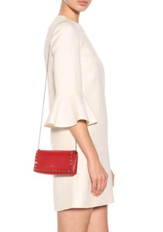 最後一日衝刺,網購Valentino手袋鞋款滿HK,000減HKhttp://www.ibuyclub.com/wp-content/uploads/2018/02/Rockstud-leather-clutch-red-feb20.jpg,000優惠,新款、經典款都得